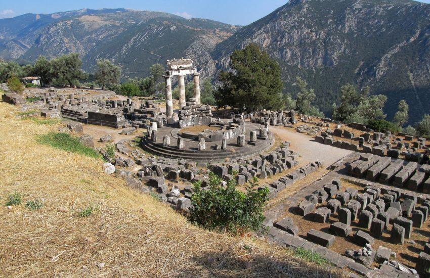 Delphi-freepixabayfoto-the-antique-temple-1966398_1920