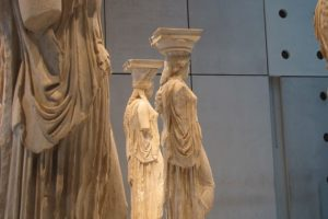 GreeceAcropolisMuseum-pixabayfreefoto-caryatids-1609506_640
