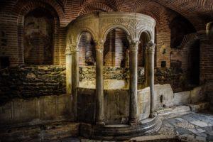 Thessaloniki-AgiosDimitrios-pixabayfreefoto-catacomb-2710446_1920