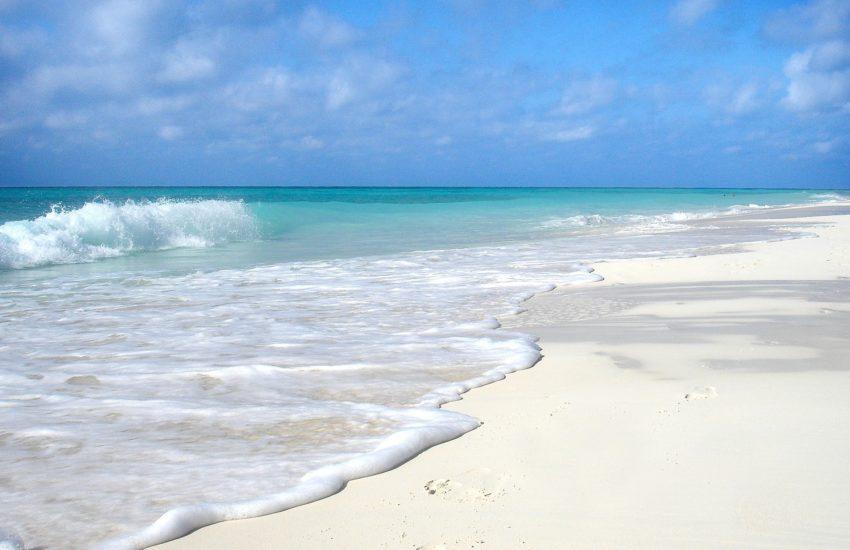 Cuba-freepixabayfoto-beach-652119_1920