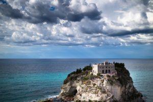Calabria-Sicily-pixabayfreefoto-tropea-2035918_1920