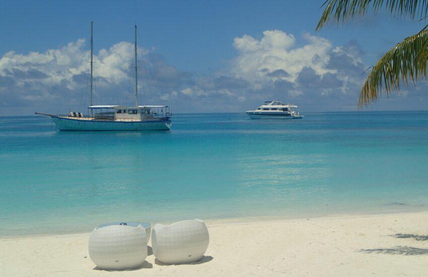 Maldives-freepixabayfoto-sand-beach-2405797_1920