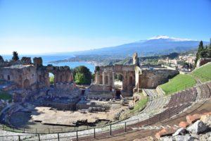 Taormina-Sicily-pixabayfreefoto-italy-3116211_1920