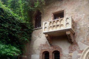 Verona-freepixabayfoto-balcony-439286_1920