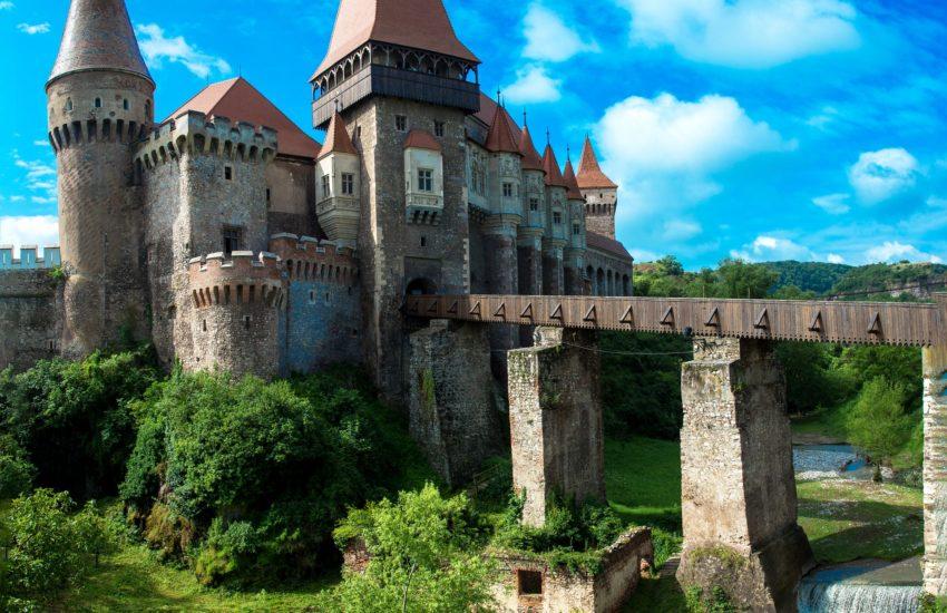 Romania-Dracula-freepixabayfoto-castles-2534343_1920