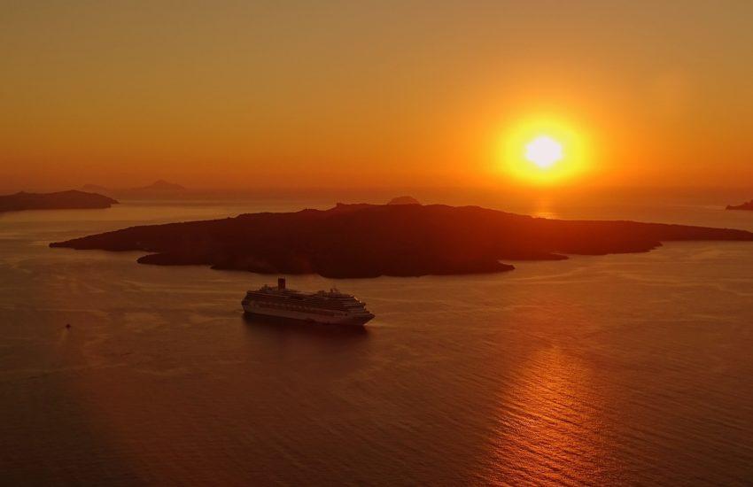 Cruise-pixabayfreefoto-greece-1301714_1920
