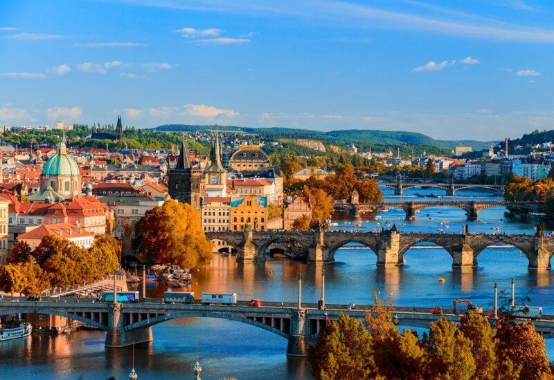 Praga-freepixabayfoto-bridges-3337124_1920
