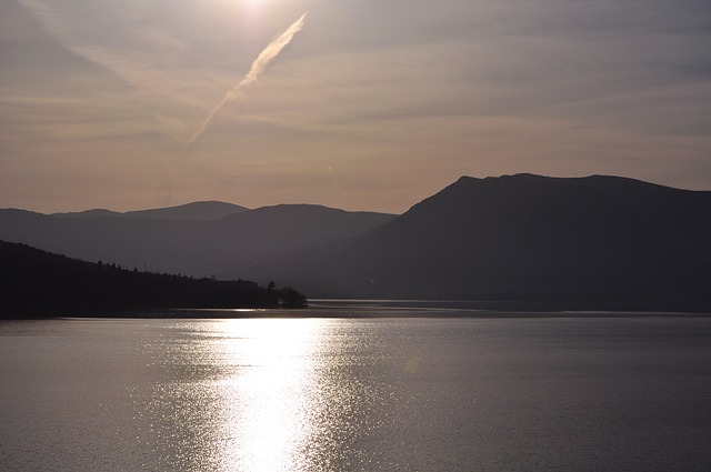 Kastoria-small-freefoto-lake-1562812_640