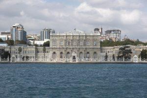 Konstantinoupoli-freepixabayfoto-dolmabahce-palace-2394619_1920