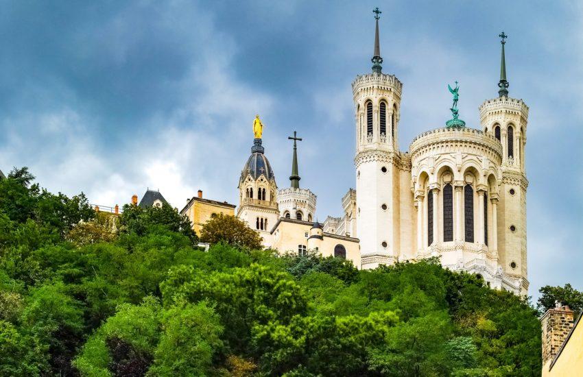 Lyon-freepixabayfoto-big-basilica-2693596_1920