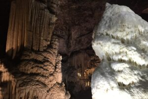 Spilaia-Postoina-freepixabayfoto-caves-1125818_1920