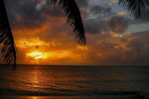 Agios-Dominikos-freepixabayfoto-sunset-201016_1920