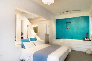 Room-SuiteSVJacuzzi3