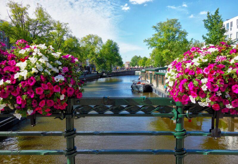 Amsterdam-freepixabayfoto-canal-2817751_1920