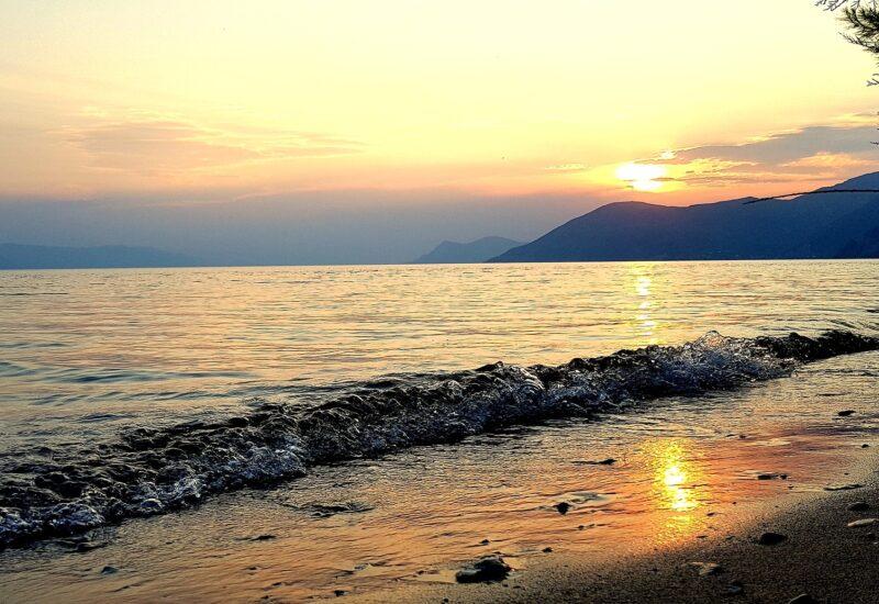 Evia-freepixabayfoto-beach-2647749_1920
