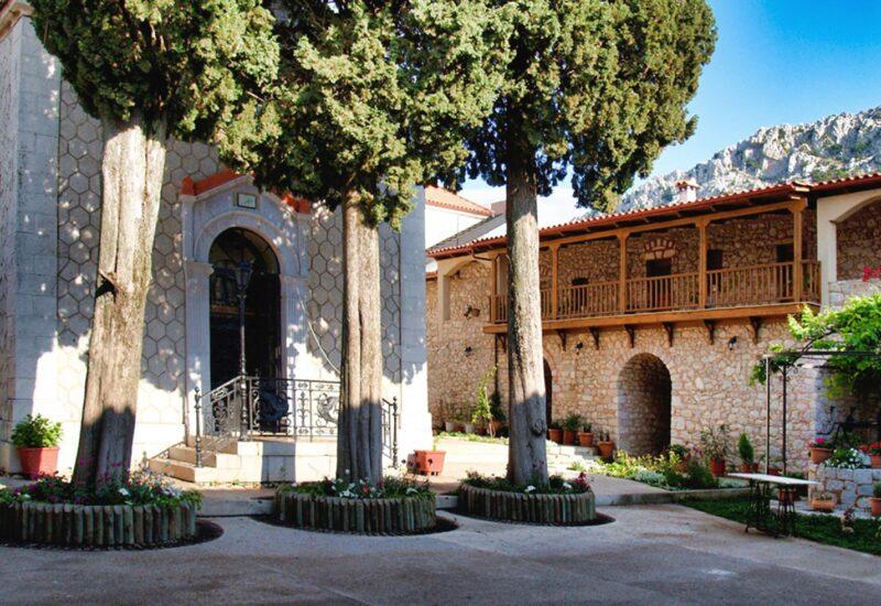 Moni-Pelagias-Livanates-private-collection
